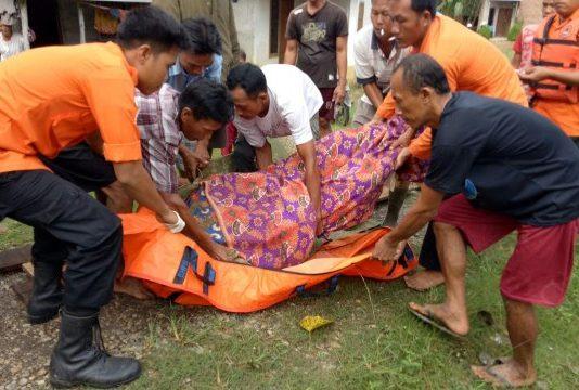Tim Gabungan Berhasil Temukan Mayat Korban Tenggelam Di Sungai Lakitan Selangit