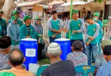 Mahasiswa KKN Unsyiah ajarkan pembuatan pupuk biourine dan budidaya jagung manis di Gampong Meunasah Mesjid Lam Lhom