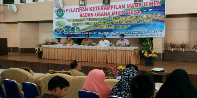 Wakil Bupati Muaraenim membuka acara Pelatihan Keterampilan Managemen Badan Usaha Milik Desa, bertempat di Ballroom RSUD Rabain Muara Enim, Selasa (21/03/2017)