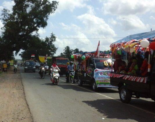 Ratusan Pelajar Dan Masyarakat Sungai lilin Ikuti Karnaval