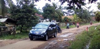 Kondisi Jalan Talang kebang menuju Desa Lubuk saung hingga ke Desa Lebung (Poto Supri 21/03/18)