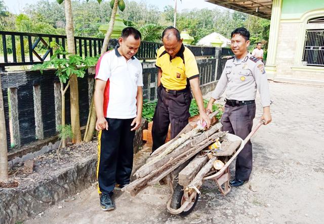 Jumat Bersih, Ini yang dilakukan Polsek Sungai Lilin
