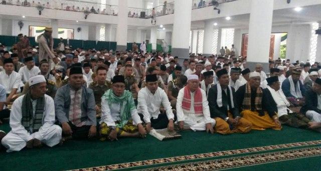 Jamaah shalat Ied Masjid Agung Muara Enim