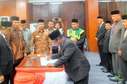 Bupati Aceh Jaya Rotasi 14 Pejabat Pimpinan Tinggi Pratama