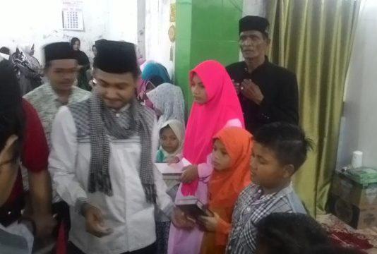 Senator Fachrul Razi, Bagikan Santunan Dan Bantuan Al Quran Ke Anak Yatim