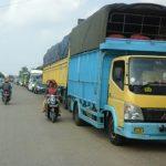 Lima Hari Jelang Lebaran Jalintim Palembang-Jambi di Pasar sungai Lilin.Macet Parah