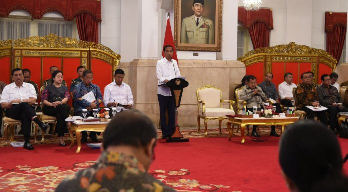 Presiden Ingatkan Jajarannya untuk Berhati-hati Terbitkan Peraturan