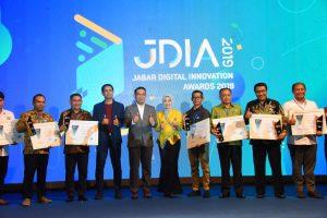 Diskominfo Garut Raih Penghargaan Jabar Digital Innovation Awards 2019