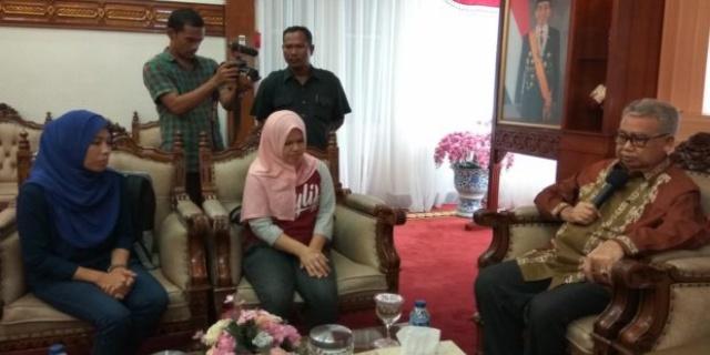 Menyedihkan, TKW Aceh Curhat Pada Gubernur