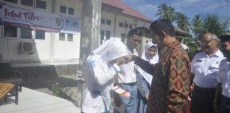 Penyerahan Bantuan Aceh Jaya Cerdas Oleh Bupati, Berakhir Di Kecamatan Teunom