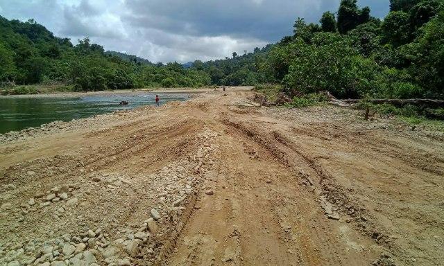 Alur Sungai yang diduga di timbun menjadi jalan di lokasi galian