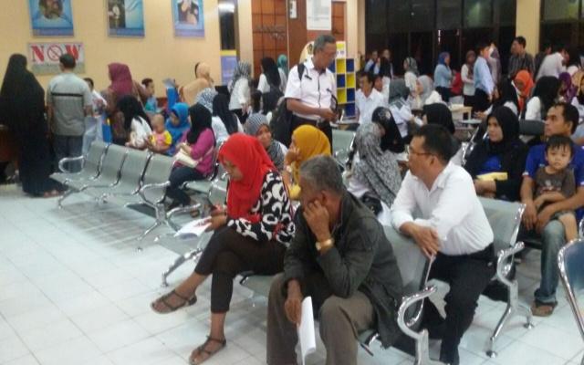 Kesadaran wajib pajak meningkat, warga serbu KPP pratama Baturaja.