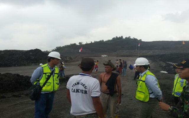 Khawatir Longsor, Warga Bukit Munggu Stop Alat Berat PTBA