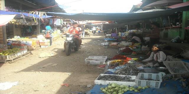 Pasar Semerawut, UPTD Segera Dipanggil Dewan