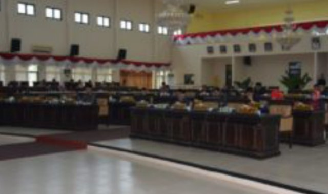 Sejumlah Anggota DPRD Banyuasin yang hadir dalam rapat paripurna Pembahasan empat Raperda kabupaten Banyuasin