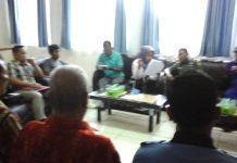 Camat Sungai Lilin pimpin Rapat mediasi antara warga pinang Banjar dengan Perusahaan Batu Bara di kantor Camat setempat Jumat (22/03/2019).