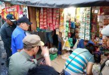 Bupati Muara Enim Ir H Ahmad Yani MM saat menghimbau pedagang untuk tidak berjualan di trotoar dan bahu jalan