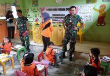 Dandim 0404 Muara Enim Letkol Inf Syafruddin saat membuka dan menyaksikan langsung lomba mewarnai siswa-siswi TK
