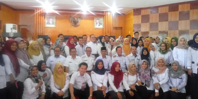 Sekda Banyuasin Photo bersama THL Kabupaten Banyuasin