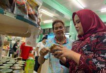 dokter Fitri. Saat mengunjungi pusat kuliner di Kota Padang Jum'at (26/07/19)